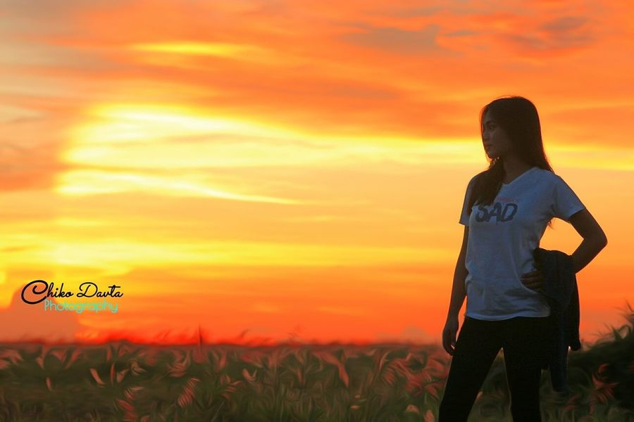 Sunset One Person Sky Outdoors Field Standing Nature People Cloud - Sky Grass Agriculture Lifestyles Rural Scene Adult Child Day Beauty In Nature Standing Beautiful Woman Original Photography Canon Eos 1200d One Young Woman Only Fullcolor One Man Only Only Men