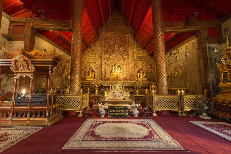 Religion Belief Architecture Built Structure Place Of Worship Spirituality Building History Indoors  The Past Travel Destinations Gold Colored No People Art And Craft Ornate Gold Architectural Column Altar
