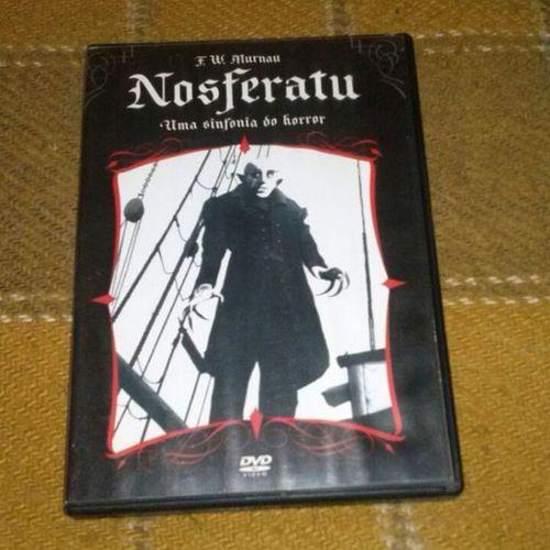 Vampiro de verdade não brilha ! Nosferatu Vampire Cinemaalemao Classicosdocinema classicmovies filmesclássicos DVDs vampiro