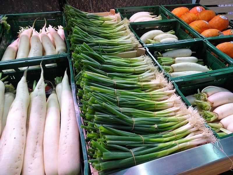 Arrangement Food For Sale Frühlingszwiebeln Healthy Eating Large Group Of Objects Market Market Stall Rettich Vegetable зеленый лук 蔥