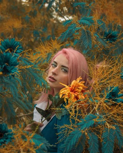 Spring 🌻🌸 Creative Creativity Colours Colors Redhead Only Women Beauty Young Adult Adult Beautiful Woman Young Women Beautiful People Fashion Portrait Women People One Young Woman Only Multi Colored Close-up Outdoors Gold Colored One Woman Only One Person