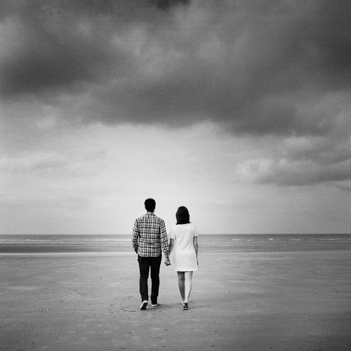 Sea Water Real People Men France Sky Love Women Rear View Film Standing Outdoors Couple Medium Format Film Photography Normandy Sea And Sky Normandie Togetherness Full Length Two People Casual Clothing Horizon Over Water Cloud - Sky