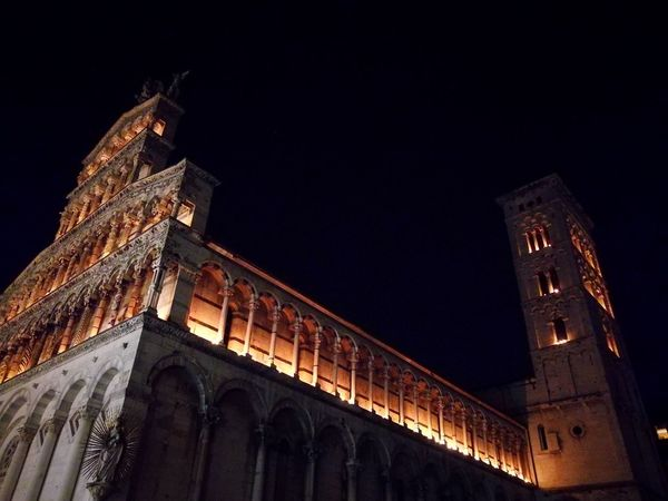 Architecture Low Angle View Night Famous Place Historical Church