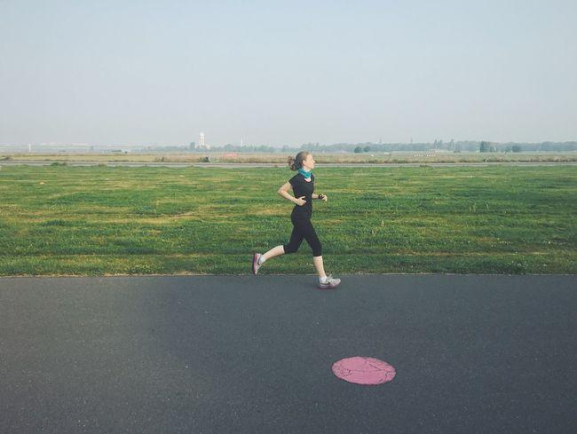 Running Runner Laufen Jogging Strava Stravarun Tempelhofer Feld Berlin