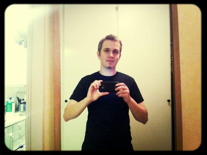Inte mkt för selfies men hitta några månaders gammalt kort iallafall:)