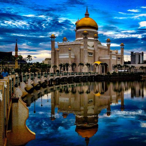Omar Ali Saifuddien Mosque ASIA EyeEmNewHere EyeEm Best Shots Brunei Reflection Water Architecture City Sky Cityscape Travel Destinations An Eye For Travel