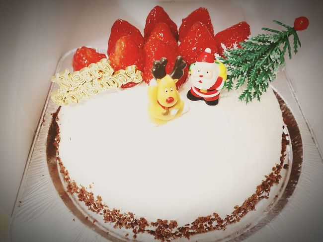 調理科の上の子、ワンホ-ル作ってきたwwShowcase:December Hello World Cake Christmas2015 ChristmasCake Santa Claus Strowberry MerryChristmas