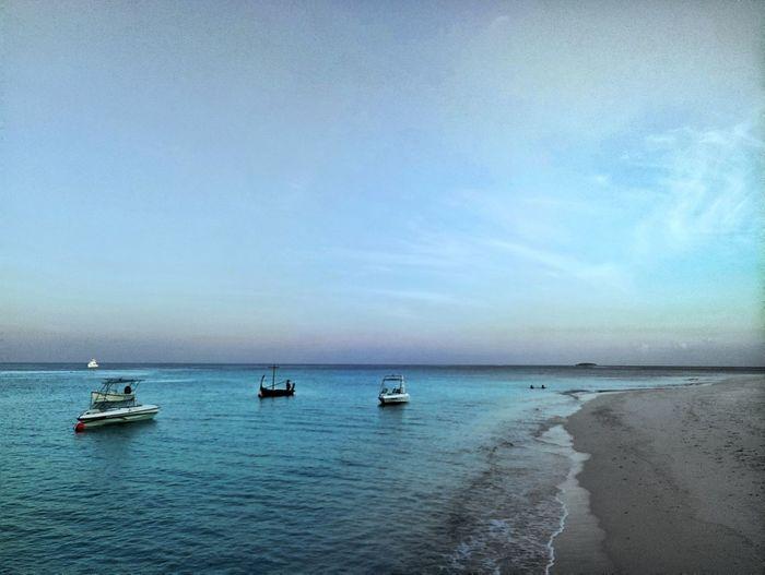 马尔代夫 玛娜法鲁 Sea Horizon Over Water Scenics Sky Beauty In Nature Tranquility Water Clear Sky Nature Tranquil Scene No People Day Outdoors