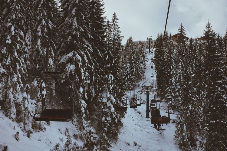 Not everything has to be brand-new. An old lift also does its work. Lift Skiing Discoverearth Exploretocreate Beautiful Nature Mountain Snow Winter Cold Temperature Tree Nature Outdoors Ski Lift Landscape Beauty In Nature