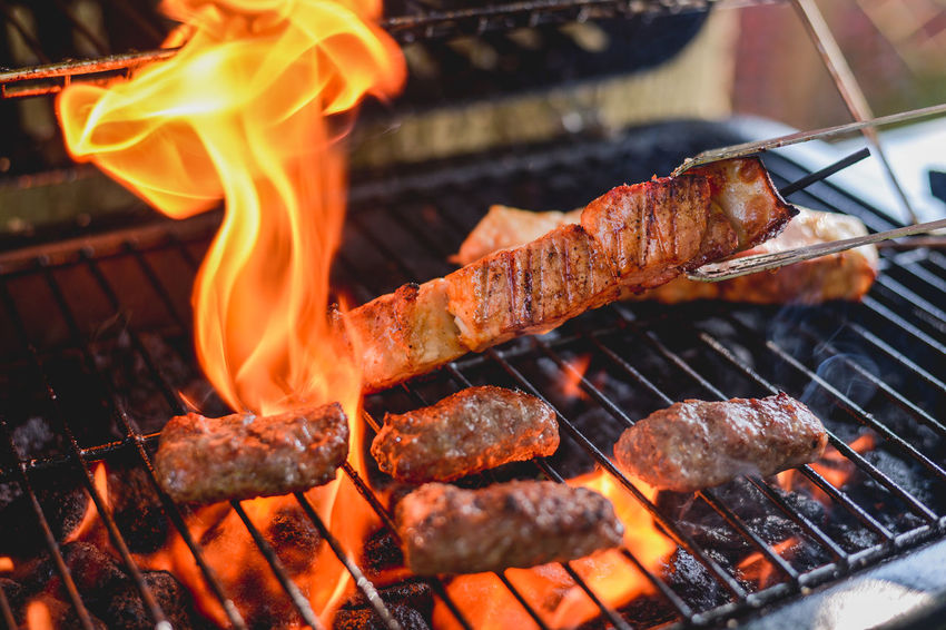 Barbaque Barbecue Barbecue Grill Barbecue Season Barbecuetime BBQ BBQ Time Burning Cevapi Cooking Fire Fire - Natural Phenomenon Flame Food Grill Grilled Grilled Chicken Grilled Meat Grilling Grilling Out Heat - Temperature Kitchen Meat Smoke Cevapi Lieblingsteil
