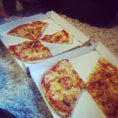Pizzaaa Friends Feeling Good It's Follow Friday!