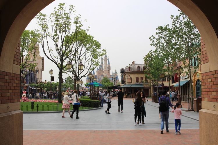 Built Structure Large Group Of People Architecture Building Exterior Real People Day Tree Arch Walking Women Full Length Men Lifestyles Travel Destinations Outdoors City Sky People Adult Adults Only Disneyland Disney Shanghaidisneyland Shanghaidisneyresort