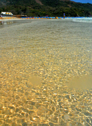 Crystal floor Beauty In Nature Beach Sand Water At The Beach In The Water Summertime Summer Vibes Thailand Summer Vacations Travel Thailand Koh Larn Koh Larn Island Koh Larn Thailand Waterspotted Waterspots Water Spots Wet Crystal Clear Crystal Clear Water Clear Water Sparkling Beautiful Beach