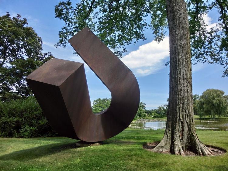 Art Day Growth No People Outdoors Sculpture Sculpture Garden Tree War
