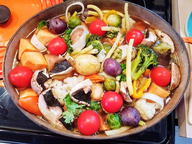 Stew Stew Home Cooking Stove Top Cast Iron Healthy Eating Comfort Food: EyeEm Selects Food And Drink Food Freshness Indoors  Healthy Eating Fruit Vegetable