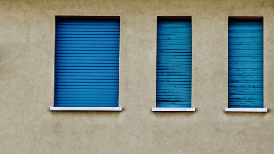 Finestre in scala. Blue Window Architecture Built Structure Building Exterior Striped Closed Day Backgrounds Close-up Pattern Blinds Futuristic Design Wall - Building Feature Windows EyeEm Gallery Italy Home Bestoftheday Photooftheday Good Times Canon550D Sigma105mm Style