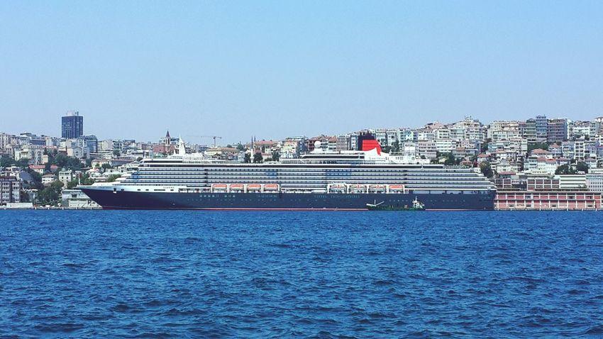 Queen Victoria-Cunard line İstanbul Travel