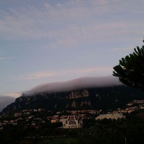 Sanmarino Montetitano Nuvole Effect