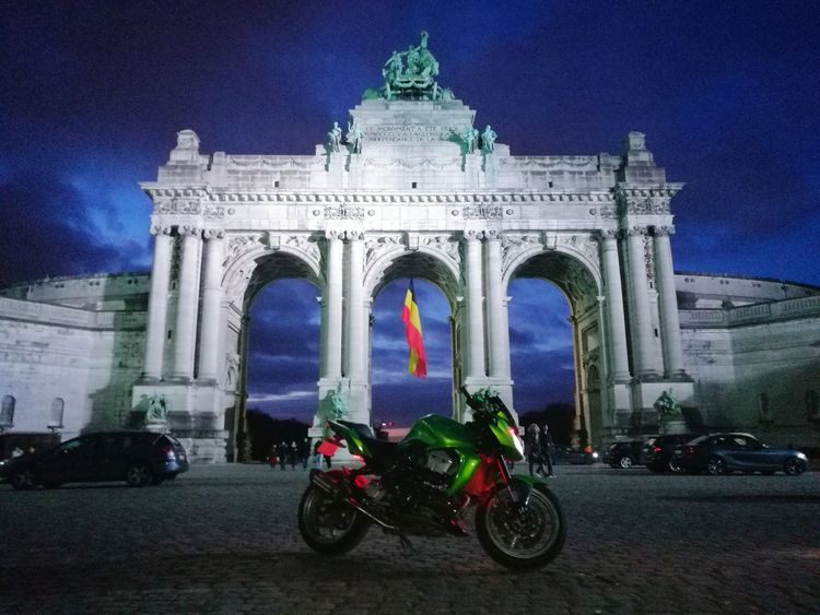 Kawasaki Illuminated Triumphal Arch Built Structure Statue Patriotism Architecture City Arch Brussels Motorcycle Z750