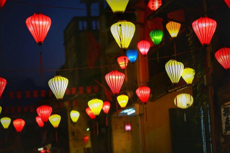 Multi Colored Jewellery Beautiful Illuminated Chinese Lantern Outdoors Chinese Lantern Festival