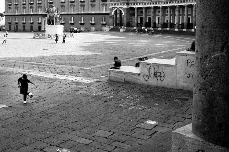Urbanphotography ınstagram Streetphotographyblackandwhite Urbanphoto Napoli Piazza Plebiscito Black & White Streetphotography Black And White Collection  Monochrome Blackandwhite Monochromegallery Urbanlandscape