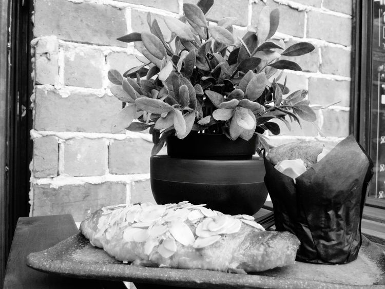 Coffee Break Coffee Time Afternoon Coffee Simply Time Take A Break Loft Living Decoration By Lg G3 Black & White Blackandwhite Photography