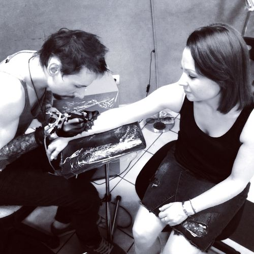 Когда как не ночью позабиваться Getting Inked Tattooed Tattoo Tattooing