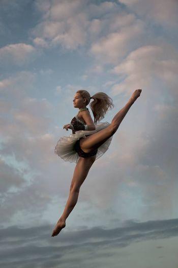 Dance Dance DANCE ♥ Dancers Dance Photography The Dancer Dance Life Flexible Streching Photography Love