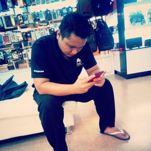 The guy who loves to play phone... Brucewayne AWannaBeBatman