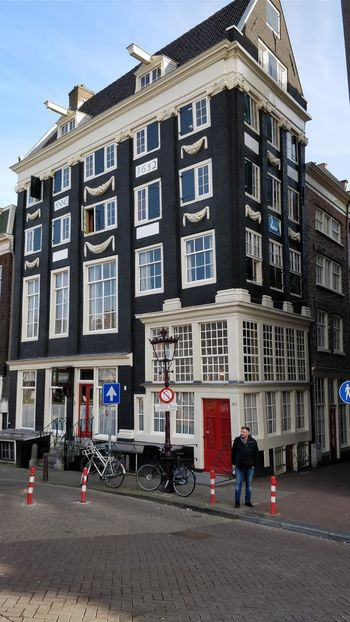 Beautiful Structure! Taking Photos Amsterdam Jordaan