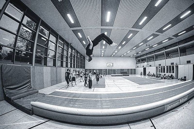 The flying @jura_x888 Sport Photography Parkour Airtrack Russian Russia Boy Blackandwhite Bnw Black And White Cheerleading Training Instagood Instalike Bestoftheday Pictureoftheday