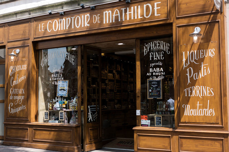 shop Shop Boutique Store Delicatessen Vintage Vintage Style Vintage Shopping Chalkboard Chalk Drawing Shoppingwindow Finedining French French Food French Architecture Streetphotography Shoppingwindow City Wood - Material Store Text Architecture Commercial Sign Advertisement Entryway