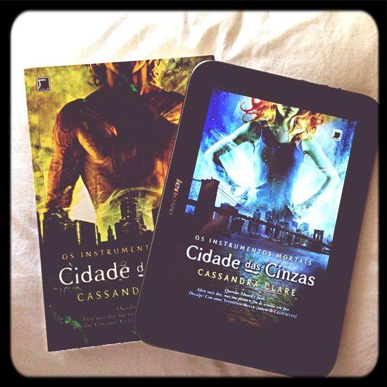 Reading ❤ The Mortal Instruments Cassandra Clare