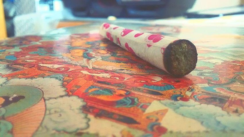 Relaxing Smoking Weed SMOKE WEED EVERYDAY Weed Smoker High Life Marihuana Weed Life High Porro Stonerdays