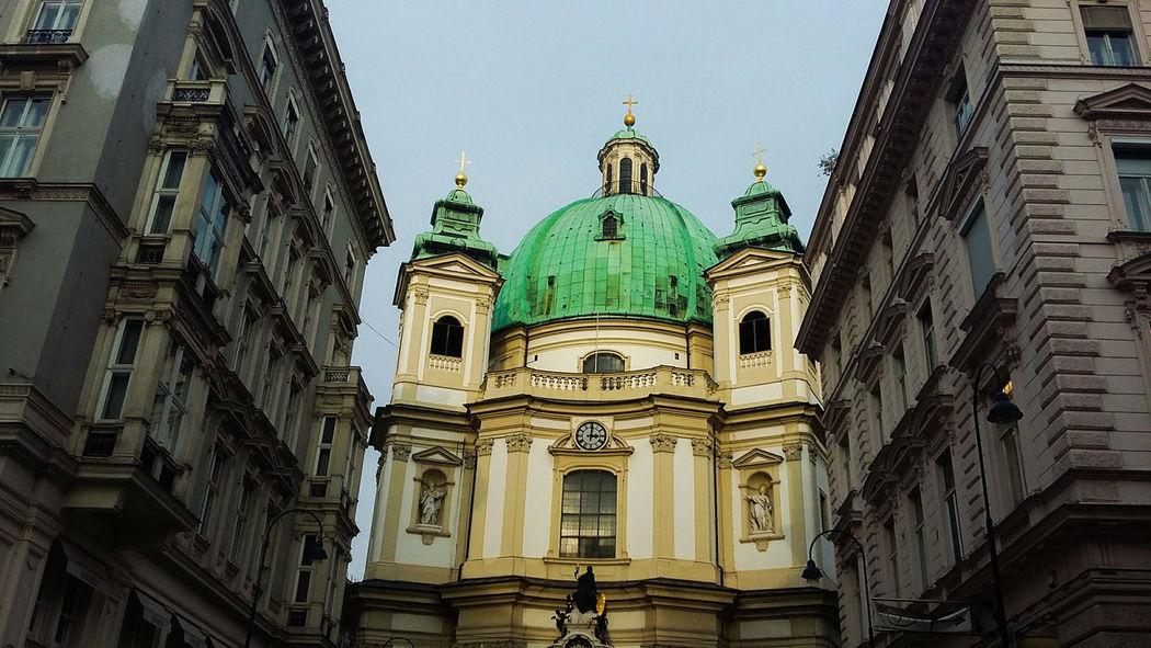 Architecture Travel Destinations City Travel Building Exterior Religion History Tourism Wien,austria Straßenflucht Fluchtpunkt Amendederstraße