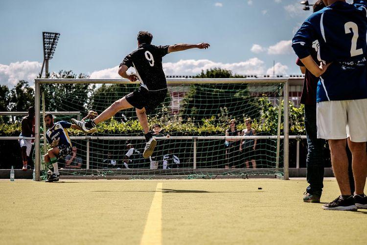 Bild vom 1. Brot und Spiele Cup. Ein Fußballturnier für Teams mit und ohne Flüchtlinge. Weitere Bilder: www.andiweiland.de/brot_und_spiele_cup Refugeeswelcome Fussball
