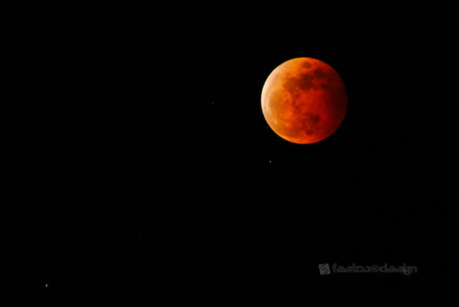 Bloodmoon Nikon ... North Sulawesi - Indonesia Moonlight