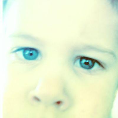 Those blue eyes...make me melt...Lovemyboys Bestmomever Family Love kids boysblueblueeyeshandsoneperfect