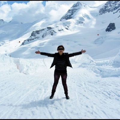 I soo need the cold weather now. Jungfraujoch Interlaken Bern Switzerland swissphotooftheday winter tbt throwback snow winterwonderland