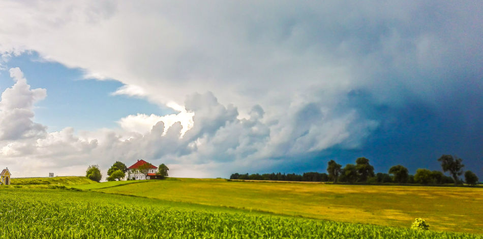 aufziehendes Gewitter - before thunderstorm Gewitterstimmung Agriculture Beauty In Nature Cloud - Sky Field Gewitterwolken Growth Landscape Nature No People Outdoors Rural Scene Tranquil Scene Tranquility Hofis Landschaften