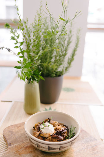 food photography Eating Food And Drink Close-up Eat Flower Pot Focus On Foreground Food Food And Drink Food Photography food stories Foodphotography Freshness Healthy Eating Herb Indoors  Nature No People Plant Potted Plant Still Life Table Vegan Vegan Food Vegatarian Wood - Material