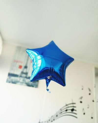 Flying Blue Close-up Motion Globos De Colores Birthday