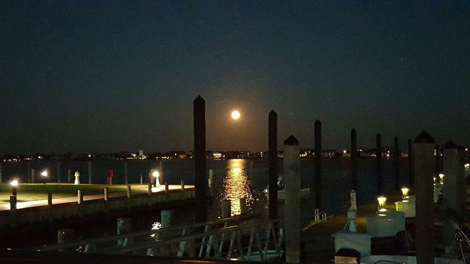 Eyemphotography EyeEm New Jersey Moon Full Moon Fullmoon EyeEm La Bella Luna! Moon Light Mantolooking Taking Photos