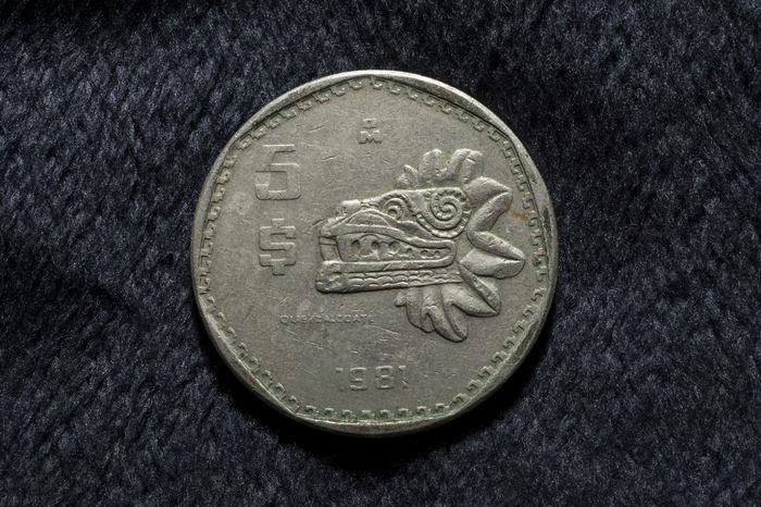 Macro Photography Macro_collection Macro Nikkor Nikonphotography Nikon Mexico Monedasantiguas Moneda Coin Quetzalcoatl