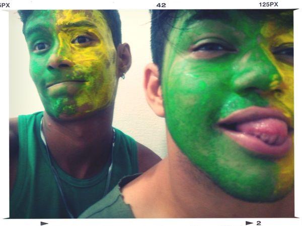 Hi! Boys Brasil Guys Amigos bazingaaaa! A vida continua! Mesmo se hexa!