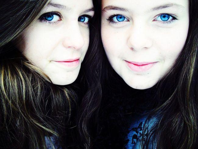 👯💁 Latesiblingsday Siblingsday Siblings Sisters Oldpicture Young Girl BlueEyes