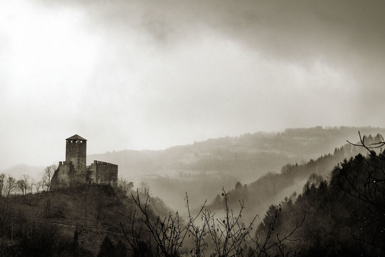 Castle in the fog Black And White Castle Castle And Fog Foggy Idyllic Landscape Middle Ages No People Non-urban Scene Scenics Tourism Tranquil Scene Travel Destinations