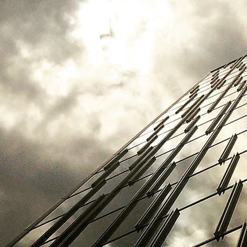 Sky Cloudy Cloud Shiny Sun Miller Window Building Architecture Design Glasses Tokyocameraclub Photo 東京写真倶楽部 東京カメラ倶楽部 東京写真部 東京写真部 Lookingupatbuildings Lookingup_architecture