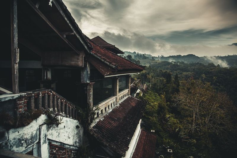 Architecture Mountain Nature Beauty In Nature Abandoned Hotel Hill Bali Island Cloud - Sky Tropical Climate Travel Destinations Scenics EyeEmNewHere Adventure ASIA Mystery Built Structure Roof Building Exterior The Great Outdoors - 2017 EyeEm Awards The Architect - 2017 EyeEm Awards Lost In The Landscape