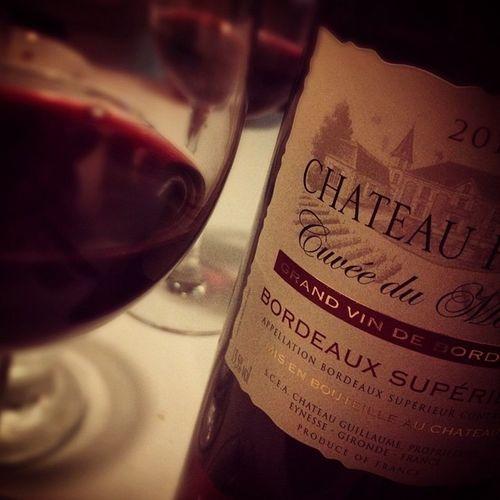 Whatese? La Base. Bordeaux. Winolife Instawine Bordeaux Redwine Winestagram Wino Wine